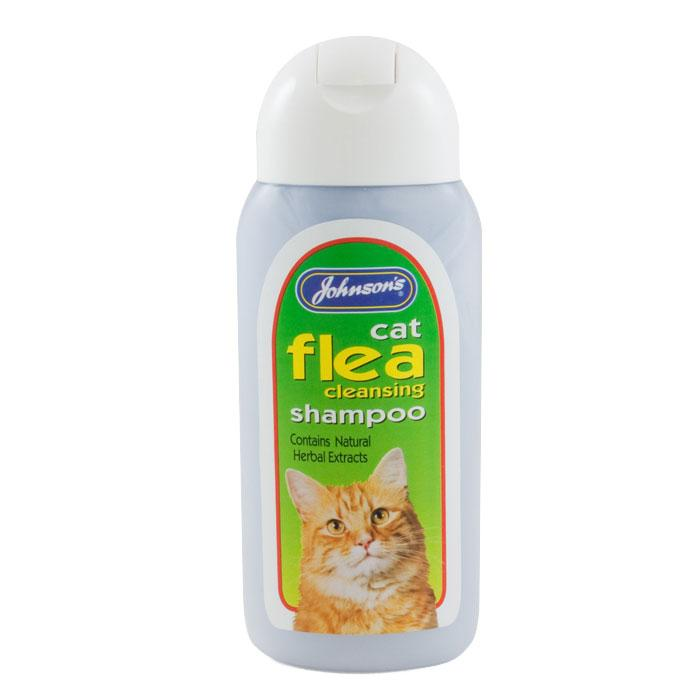 Can I give my cat a flea bath?